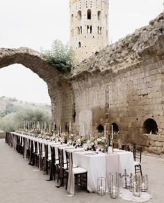 Surrounded by hill tops and history. This open air spot in Italy is unmistakably unforgettable. Alabama Wedding Venues, Italian Wedding Venues, Outdoor Wedding Venues, Woodsy Wedding, Dream Wedding, Party Wedding, Luxury Wedding, Garden Wedding, Wedding Decor