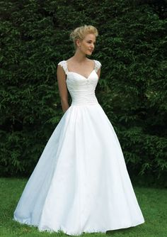 romantic wedding dress cap sleeve sweetheart A-line charming princess simple