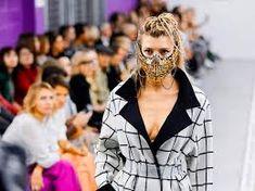 face mask fashion - Ricerca Google Fashion Face Mask, High End Fashion, Culture, Style Inspiration, Fashion Outfits, Google Search, Fashion Suits, Dressy Outfits