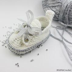 Silver baby shoesCrochet baby shoes Crochet baby by Yunisiya Crochet Sole, Crochet Baby Sandals, Crochet Baby Booties, Häkelanleitung Baby, Baby Kind, Crochet Hat For Women, Crochet For Boys, Crochet Baby Blanket Beginner, Baby Knitting
