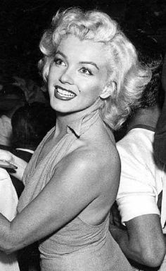 Marilyn Monroe I'll always remember you. Hollywood Glamour, Classic Hollywood, Old Hollywood, Hollywood Actresses, Beauté Blonde, Divas, Cinema Tv, Marilyn Monroe Photos, Marilyn Monroe Makeup