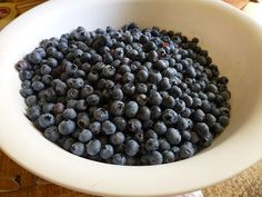 The blueberries are ripening late this year. Last year the first pick was ready by the time I got home from Portland ; this year, I just fi. Canning Food Preservation, Preserving Food, Canned Blueberries, Canning Recipes, Preserves, Blueberry, Sweets, Fruit, Canned Foods