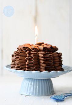 Pastel de calabacin (Ruffle cake)  Chocolate Zucchini Ruffle Cake (egg and dairy free)