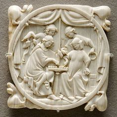 Chess playing Louvre A couple playing chess, ivory mirror case c. History Of Chess, Art History, Louvre, Art Of Love, Medieval Art, Medieval Games, Gothic Art, 14th Century, Middle Ages