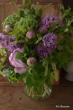 Church Flowers, All Flowers, Growing Flowers, Green Flowers, Planting Flowers, Beautiful Flowers, Beautiful Flower Arrangements, Floral Arrangements, Flower Aesthetic