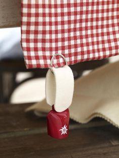 Oktoberfest-deko basteln-table cloth weight or key chain