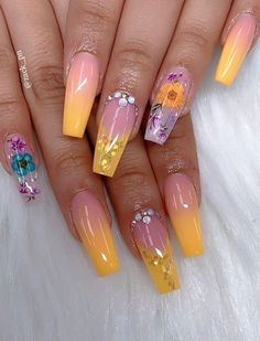 40 Fabulous Nail Designs That Are Totally in Season Right Now - clear nail art designs,almond nail art design, acrylic nail art, nail designs with glitter Summer Acrylic Nails, Cute Acrylic Nails, Summer Nails, Cute Nails, Pretty Nails, My Nails, Nail Art Designs, Colorful Nail Designs, Beautiful Nail Designs