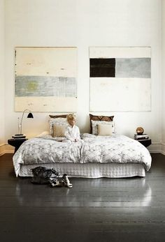 gleaming painted floors|love the artwork, thinking: DIY wood pallets or canvas could work for this project. #doablediy