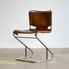 Leather 'Biscia' cantilever chairs by Pascal Mourgue, Blue Dining Room Chairs, Mid Century Dining Chairs, Leather Dining Chairs, Office Chairs, Dining Tables, Cool Furniture, Furniture Design, French Provincial Chair, Cantilever Chair