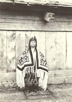 Tlingit man wearing traditional dress and headpiece, Wrangell, Alaska, June :: American Indians of the Pacific Northwest -- Image Portion Native American Photos, Native American Tribes, Native American History, Native Americans, Tlingit, Native Design, American Spirit, Indigenous Art, Native Art