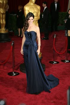 Sandra Bullock In A Midnight Blue Dress By Alex McQueen For The 86th Annual Academy Awards