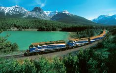 The spectacular Canadian Rockies train tour on the famous Rocky Mountaineer train.