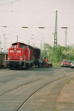 2003.05.08. 212-367 Bein Schrotthandler nahe des Gießener Rbf.