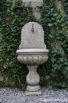 Steinbrunnen Antiksteinguss (winterfest) Fountain, Garden Sculpture, Outdoor Decor, Home Decor, Stone Sculpture, Winter Festival, Fairies, Sculptures, Stones