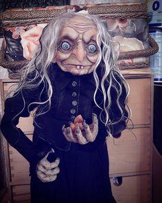 Почти красотка, с таким-то локонами. Ну ничего, разлохмачу и сваляю- будет как надо. #Куклы #искусствокуклы #doll #творчество #коллекционнаякукла #art #artdoll #handmade #dollcollection #dollartistry #интерьернаякукла #авторскаякукла #бабаяга #witch
