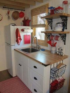 Best Tiny House Kitchen and Small Kitchen Design Ideas With some smart use space, a tiny kitchen can be a just as welcoming and pleasurable location to spend time. tag:tiny house kitchen design ideas, tiny house kitchen cabinets and storage, tiny hous Diy Kitchen Storage, Kitchen Shelves, Kitchen Cabinets, Open Shelves, Kitchen Island, Kitchen Appliances, Red Cabinets, Window Shelves, Corner Shelves