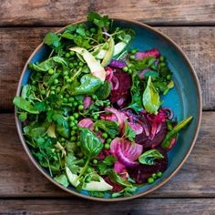 Beet Avo and Pea Salad. Beet Avo and Pea Salad - The most flavorful and beautiful salad Pea Salad Recipes, Beet Recipes, Healthy Salad Recipes, Raw Food Recipes, Recipies, Savory Salads, Vegan Food, Onion Salad, Beet Salad