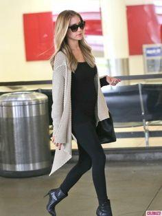 Pregnant Kristin Cavallari Lands at LAX Airport