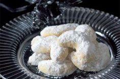 Šárčiny pařížské rohlíčky   Apetitonline.cz Cooking Recipes, Cookies, Baking, Desserts, Food, Crack Crackers, Tailgate Desserts, Deserts, Chef Recipes