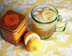 Kombinacija limuna i đumbira ne može da nije zdrava. Donosimo vam recept za osvežavajući tonik, koji će vas preporoditi i brzo izlečiti bolno grlo.