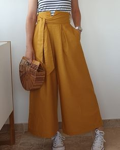 La jupe-culotte La désinvolte version PDF- Marie No Hijab Casual, Casual Skirt Outfits, Casual Skirts, Emo Outfits, School Outfits, Kids Outfits, Summer Outfits, Culottes Skirt, Pullover Rock
