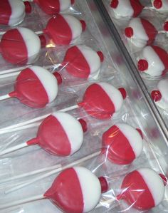 Fishing Bobber Oreo Pops NOTE: the Red top/ tip of the bobber will be a Red (sweet/sour Candy ball).  This order is for 1 dozen ~ If Ordering more than 1 dozen ~ Please let me know the Amount Needed, Date Needed and your State and Zip Code for the Shipping quote.  This is so cute ~ Great Party Favor ~ Wedding Favors ~ Birthday Favors ~ Anytime They will be Made to Order one batch at a time, to assure you the freshest of fresh sweet treat. We only use the freshest ingredients.  All s...