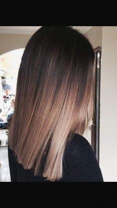 New Hair Brown Balayage Straight Medium Lengths Ideas Black Balayage, Brown Hair Balayage, Balayage Brunette, Hair Highlights, Caramel Highlights, Dark Brown Balayage Medium, Ombre On Dark Hair, Brown Ombre Hair Medium, Dark Brown Short Hair