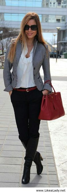 Simple outfit and red accent