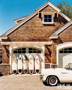 Beach Exterior and Ronald F. DiMauro in Newport, Rhode Island.my dream Coastal Cottage, Coastal Homes, Coastal Style, Coastal Living, Les Hamptons, Haus Am See, Beach Cottages, Beach House Decor, Breezeway