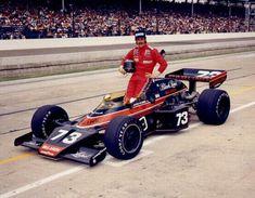 David Hobbs at Indy 1974 McLaren Factory Team car Indy Car Racing, Indy Cars, David Hobbs, Bruce Mclaren, Indianapolis Motor Speedway, Old Race Cars, Sprint Cars, Vintage Race Car, Formula One