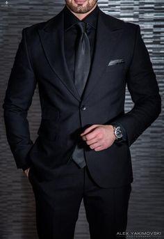 Top formal suits men to wear in wedding Best formal suits men classy look Best formal suits for men in business Mens Fashion Suits, Mens Suits, Groomsmen Suits, Groomsmen Attire Black, Groom Attire, Fashion Hats, Fashion Brand, Luxury Fashion, Wedding Men