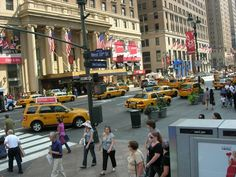 Cabs by Flygstolen, via Flickr #USA #Travel #Resa #Resmål #New #York #NewYork #CIty #NYC #NewYorkCity #Yellow #Cab #Taxi #Gul #cabs #traffic