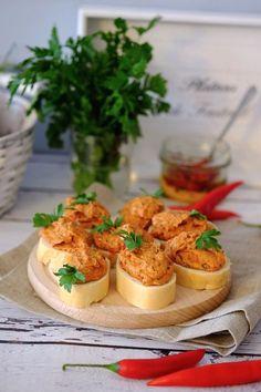 Świetna pasta do kanapek Breakfast Recipes, Dessert Recipes, Keto Recipes, Cooking Recipes, Cheesecake Pops, Dips, Polish Recipes, Healthy Dishes, I Love Food