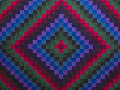 Sunshine and Shadow Quilt -- great cleverly made Amish Quilts from Lancaster (hs4748)