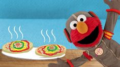 Looking for a fun activity? Give Elmo& Space Pizza a try! Sesame Street Party, Sesame Street Birthday, Cooking With Kids, Fun Cooking, Cooking Ideas, Elmo Birthday, 2nd Birthday Parties, Star Pizza, Pbs Kids