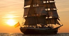 ⚓️Tall Ship Mercedes⚓️ at sunset