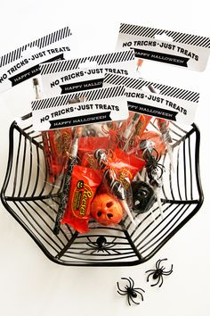 Halloween Treat Bags + Toppers