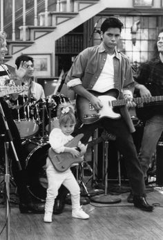Uncle Jesse & Michelle I ❤ full house A Manie favorite tv show! Oncle Jesse, Tio Jesse, Michelle Tanner, Fuller House, Film Serie, Best Shows Ever, Movies Showing, Favorite Tv Shows, Movie Tv