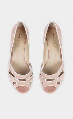 Ana tengo el hombre hacer le zapatos de baile.