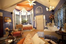 Aaron's Gate Country Getaway in Edmond, Oklahoma is a luxury bed & breakfast featuring romantic country cottages for couples.