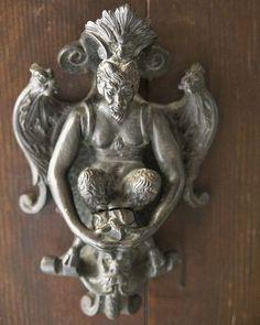 Door Knocker, Verona