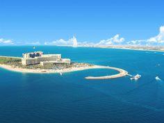 Rixos The Palm Dubai in Dubai (Palm Jumeirah) is close to Dubai College and Aquaventure. This 5-star hotel is close to Ski Dubai and Mall of the Emirates.  http://www.lowestroomrates.com/Dubai-Hotels/Rixos-The-Palm-Dubai.html?m=p   #Dubai