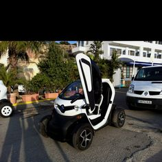 Matthew's pimped out smart car on his video game!