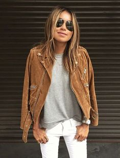 How to Wear a Brown Suede Jacket For Women looks & outfits) Winter Outfits For School, Fall Winter Outfits, Casual Fall, Casual Chic, Stylish Outfits, Cool Outfits, Classic Outfits, Style Désinvolte Chic, Brown Suede Jacket