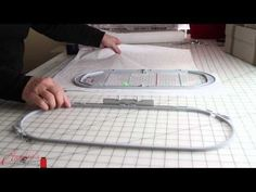 Hardanger Embroidery Patterns This video teaches how to multi-hoop designs with perfect placement on your embroidery project. Machine Embroidery Projects, Machine Embroidery Applique, Machine Quilting, Embroidery Stitches, Hand Embroidery, Embroidery Ideas, Simple Embroidery, Embroidery Tattoo, Viking Embroidery