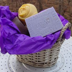 Cestas de jabones para regalo con jabon de Jasmine