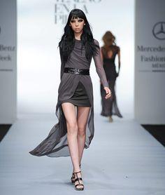 Vestidos o faldas con cola o más cortos enfrente y atrás más largos