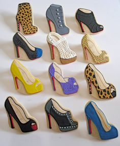 Fashionable Shoe Cookies <3    I would have every one of these! They are so fun!