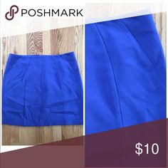 """LOFT skirt LOFT blue/purple mini skirt. Exposed zipper in back. Fully lined. Poly/rayon/spandex blend. Excellent condition.  Size 14 18"""" across at waist  19"""" long LOFT Skirts Pencil"""