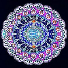 Negative version of my peacock mandala  #beautiful_mandalas #mandala #zendala #zentangle #mandalaart #mamdalala #mandala_sharing #mandalashare #pendoodle #penart #design #instaart #instaartist #artgram #artlovers #instalikes #instafollowers #instaartist #instafollow #doodlegalaxy #beautiful #peacock #colors #henna #mehendi #tattoo #dotwork #worldofartists #art_spotlight #young_artists_help ✌